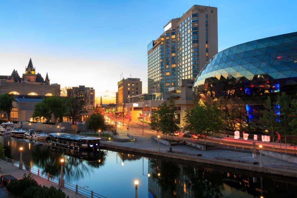 Canal Rideau en Ottawa, Canadá
