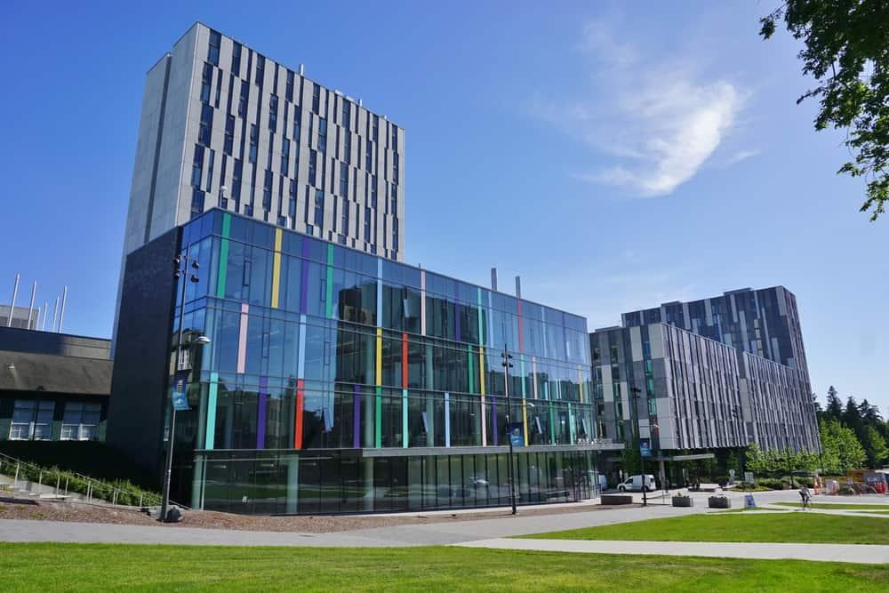 **La Universidad de British Columbia está localizado en una península bonita en Point Grey