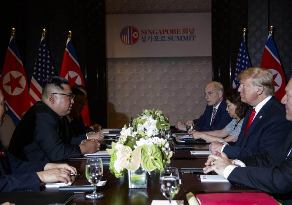 Los intérpretes se toman el protagonismo en la cumbre de Trump-Kim