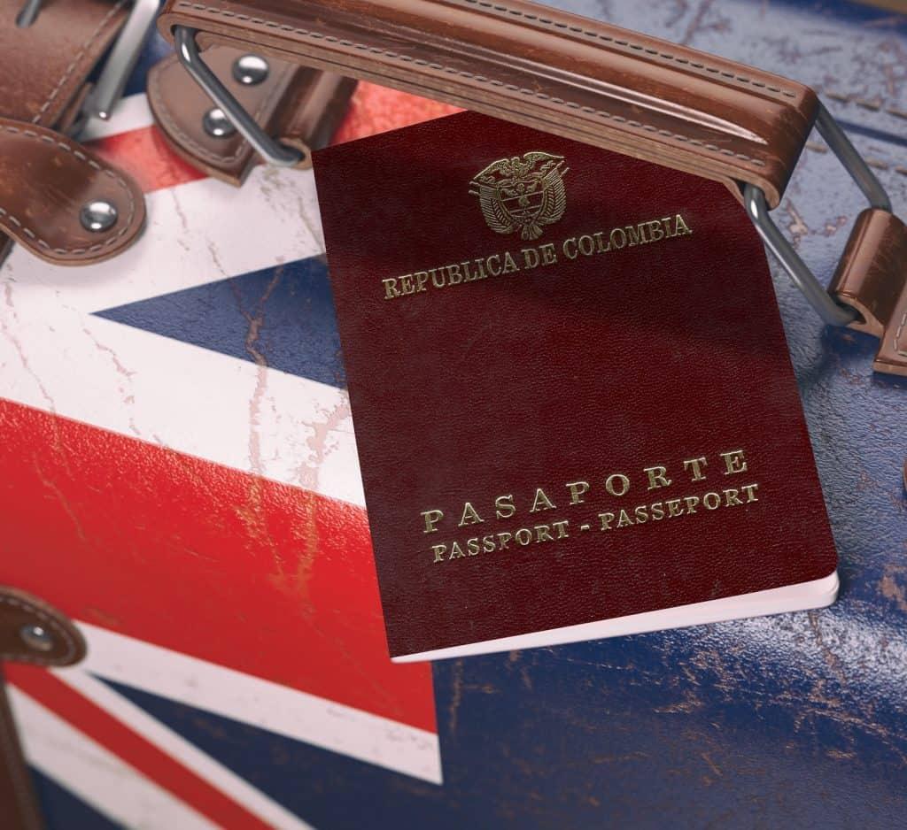Pasaporte Colombiano con maleta de Australia